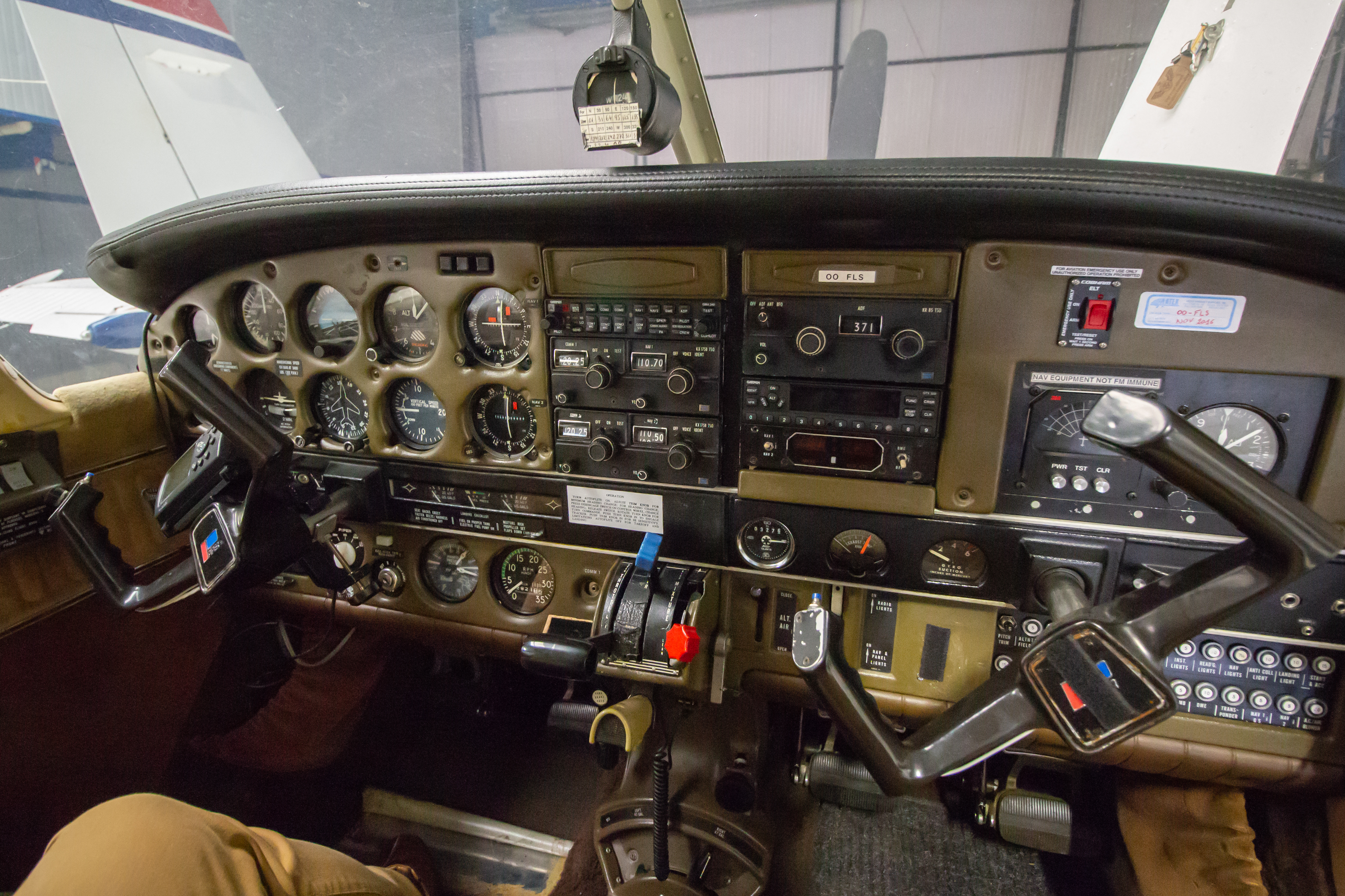 SOLD - Solid 1979 Piper PA-32-300 Cherokee Six platform to upgrade avionics  to your taste